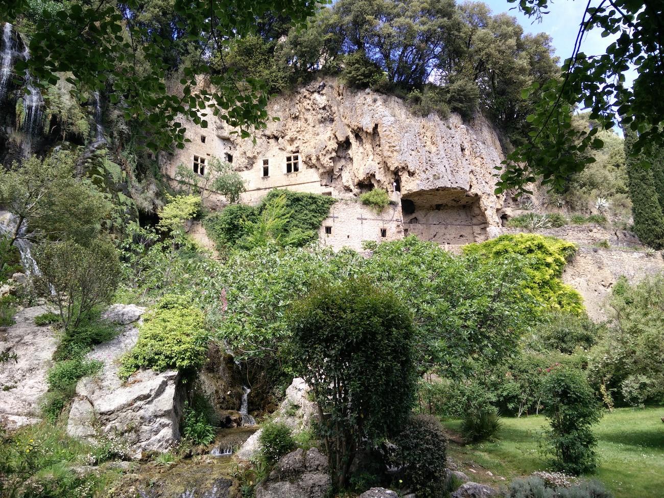 CAMPING CADENIERES_grottes village villecroze_3