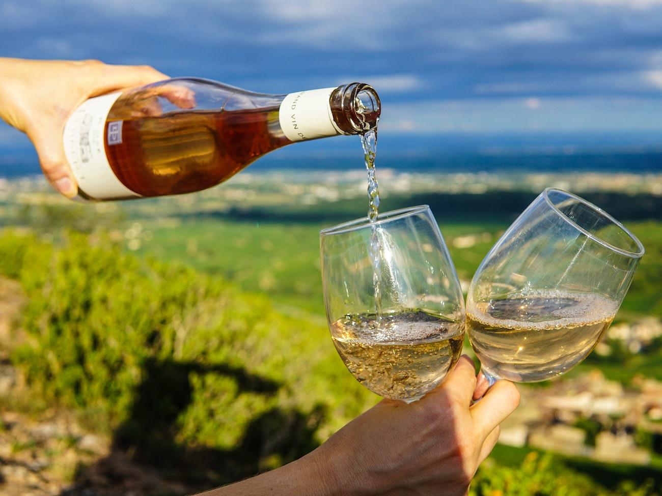 CAMPING CADENIERES-vin-rose-visite-cave